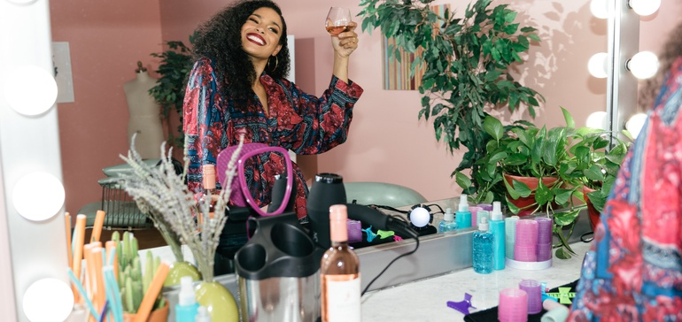 marketingdive.com - Barefoot Wine toasts beauty experience of Black women with video series
