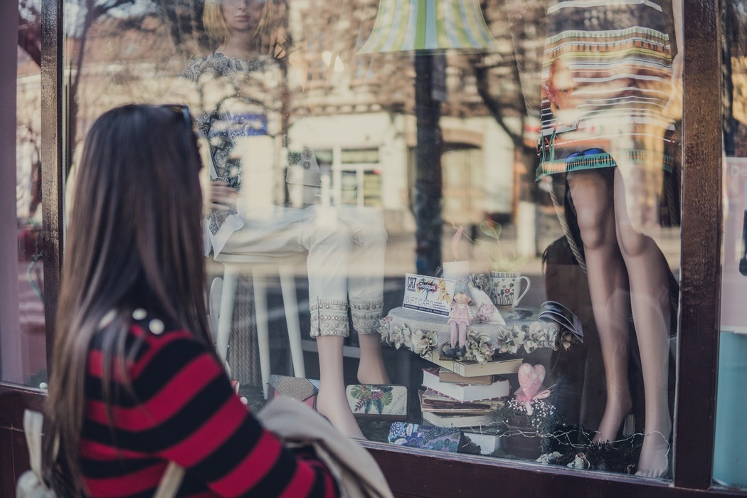 Study: 80% of Gen Z like shopping in-store, but turn to e-commerce for convenience